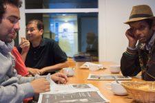A la Défense, les sans-abris se confondent avec les salariés