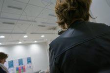 Sexisme, harcèlement, violences : « l'omerta » duquartier d'affaires ?
