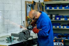 L'atelier de récup' des mécanos et bidouilleurs séduit les géants de la Défense