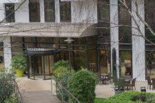 La rénovation des façades de l'hôtel Fraser s'achève