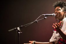 Lúcia de Carvalho présente son projet musical Kuzola