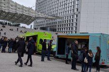 Un bon démarrage pour les food trucks du parvis