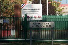Un détenu incendie des matelas et des détritus: une dizaine de personnes intoxiquées